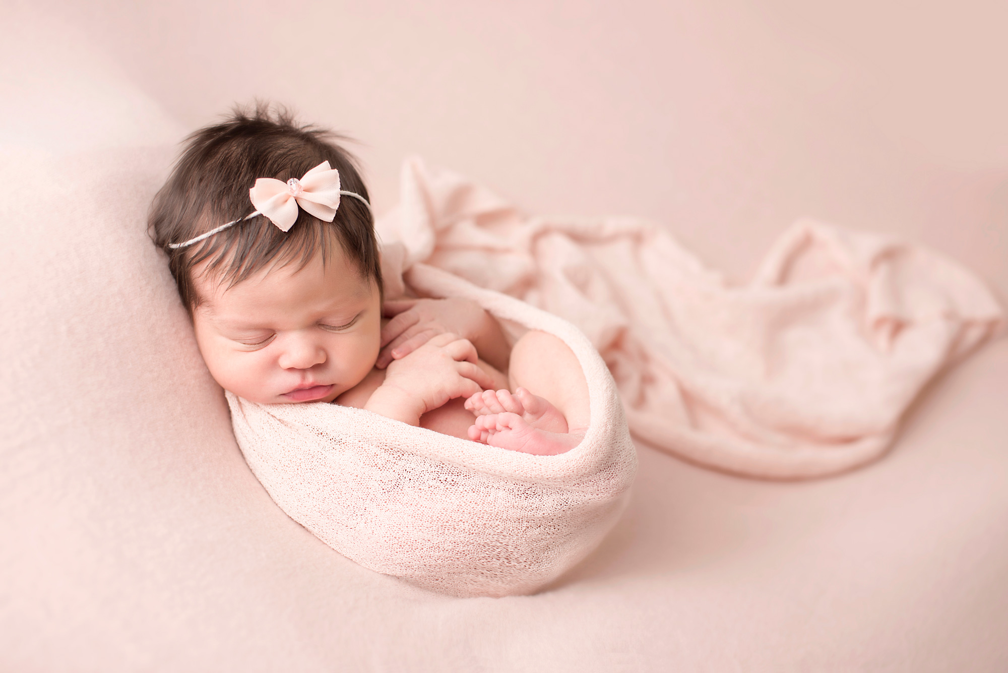Top 7 tips for a successful newborn portrait session