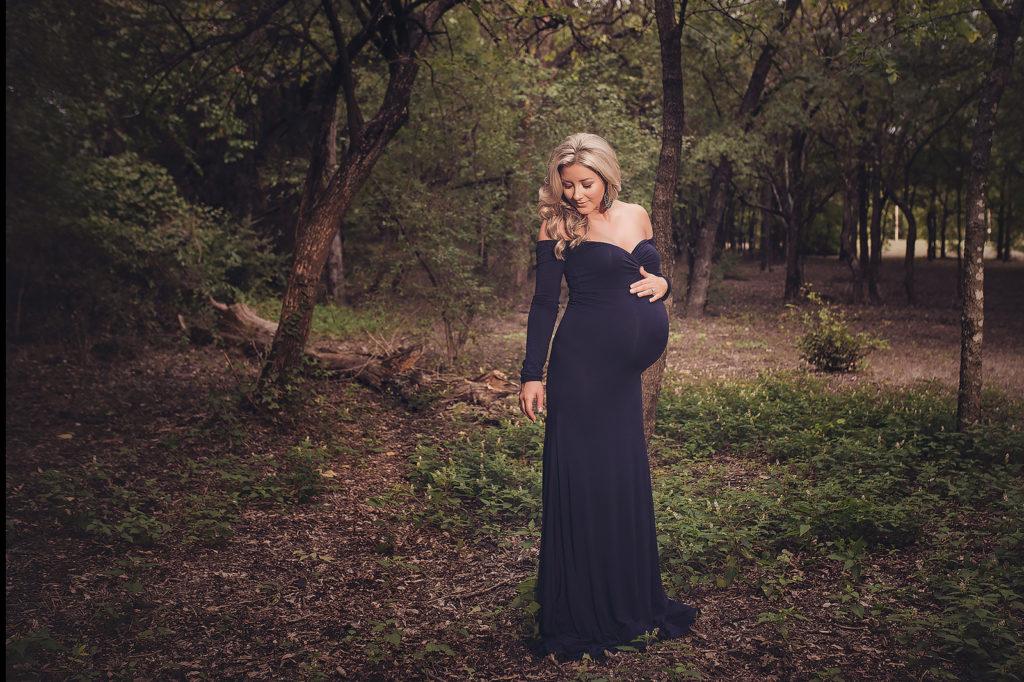 Dallas Maternity Photographer Dallas Cheerleader Maternity Photographer Dallas Pregnancy Photo Shoot CLJ Photography